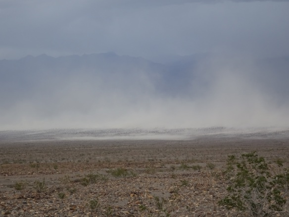 Sandstorm in valley dose-up Death Valley 2-2016 smaller