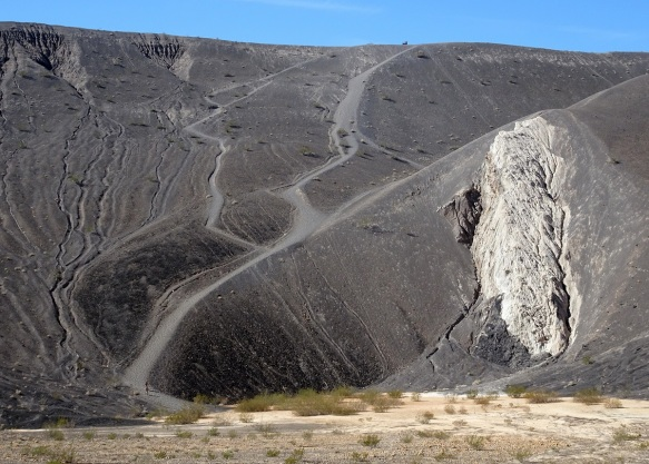 Ubehebe Crater trail view Death Valley 2-2016 smaller