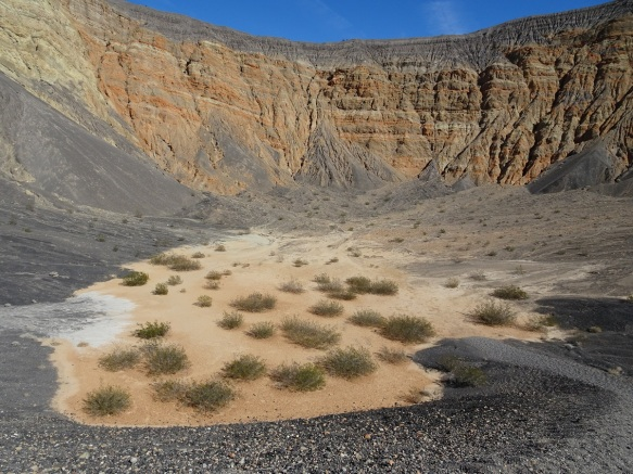 Ubehebe Crater view of the bottom Death Valley 2-2016 smaller