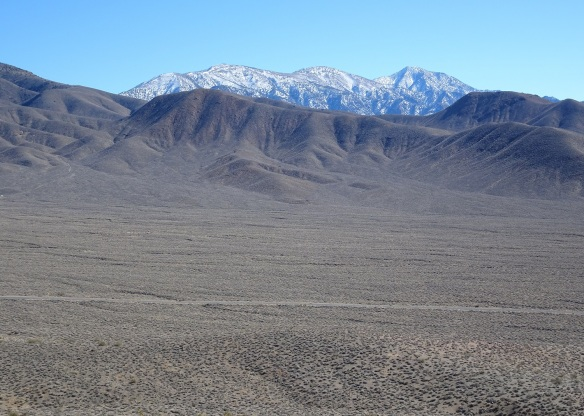 Wide open spaces looking up Death Valley 2-2016 smaller