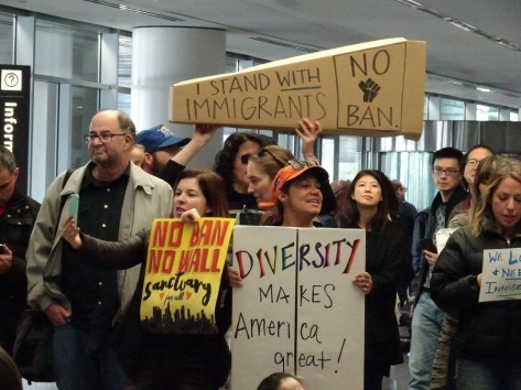 i-stand-with-immigrants-sign-at-sfo-protest-1-29-17-small